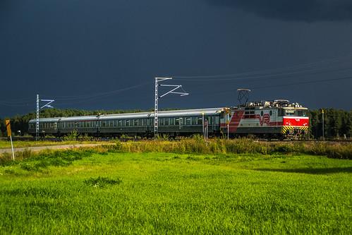 summer electric train finland locomotive express 2012 sr1 finnishrailways p605