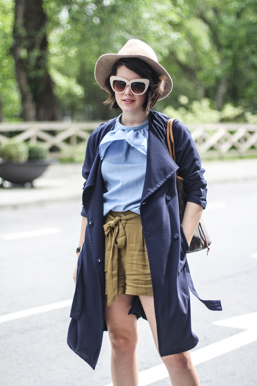 pepa-loves-denim-top-khaki-shorts-zara-2015-cat-eye-myblueberrynightsblog-streetstyle