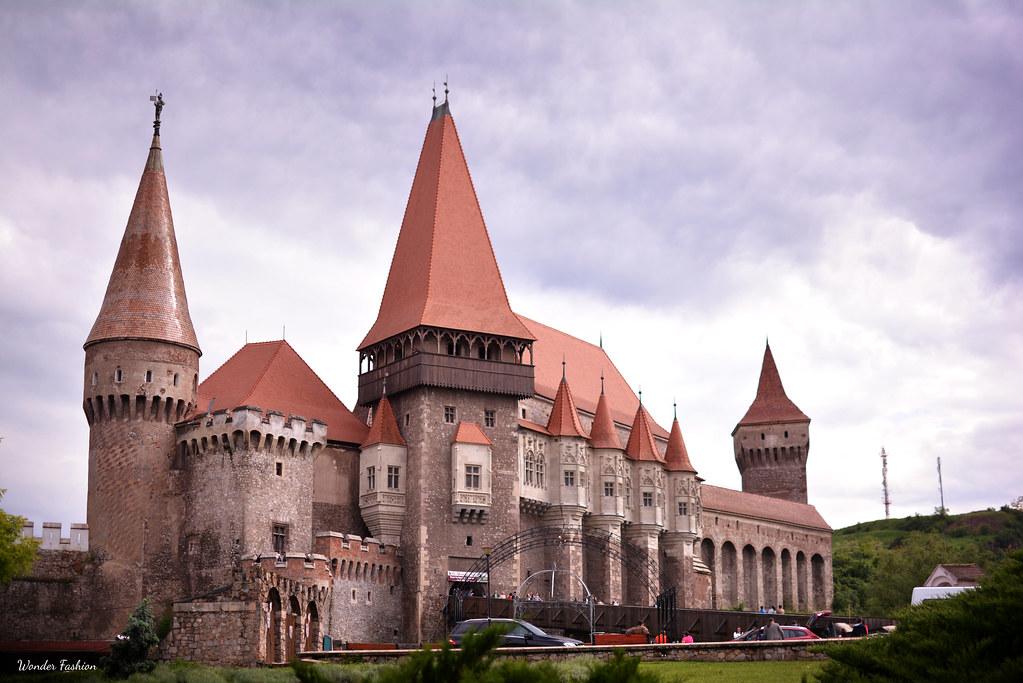 corvin castle2