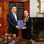 Guangzhou Vice Mayor Mr Wang Dong presents the Guangzhou Encyclopaedia to Lord Mayor Clover Moore