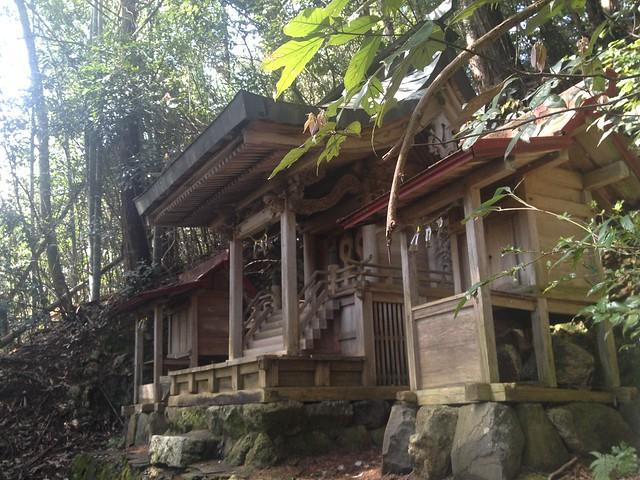 茶臼山 唐松神社 本殿