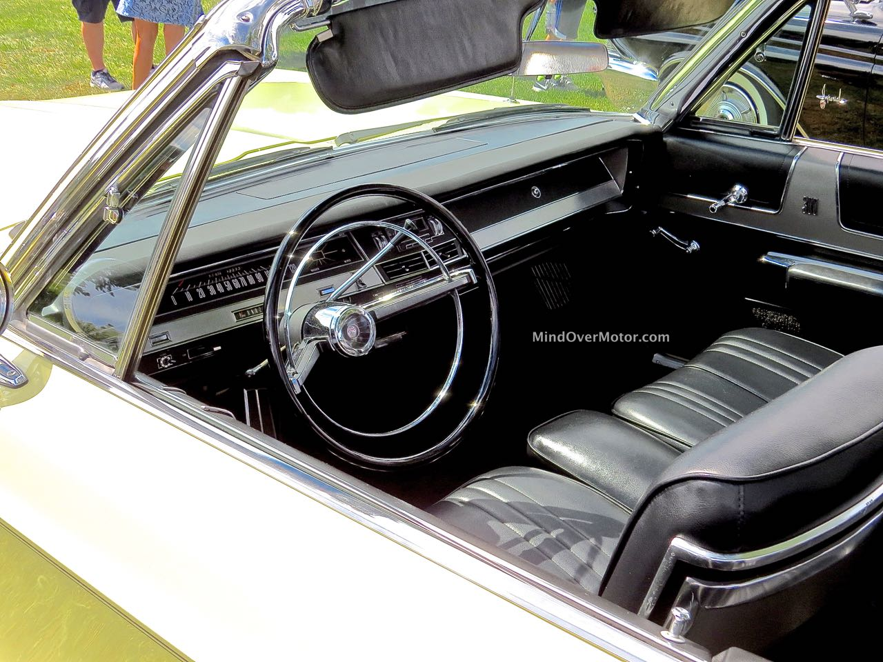 Chrysler 300 Convertible Interior
