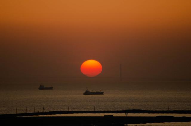 今日の写真 No.968 – 泉大津パーキングエリアから見た夕日/HD PENTAX-DA 55-300mm F4-5.8ED WR