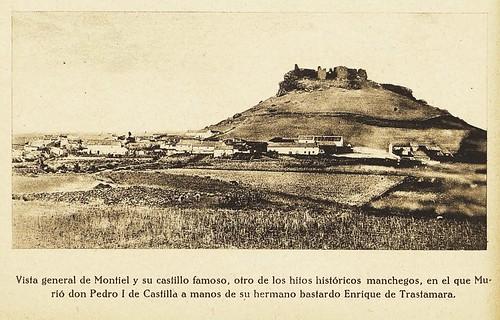 Vista general de Montiel y su castillo famoso...