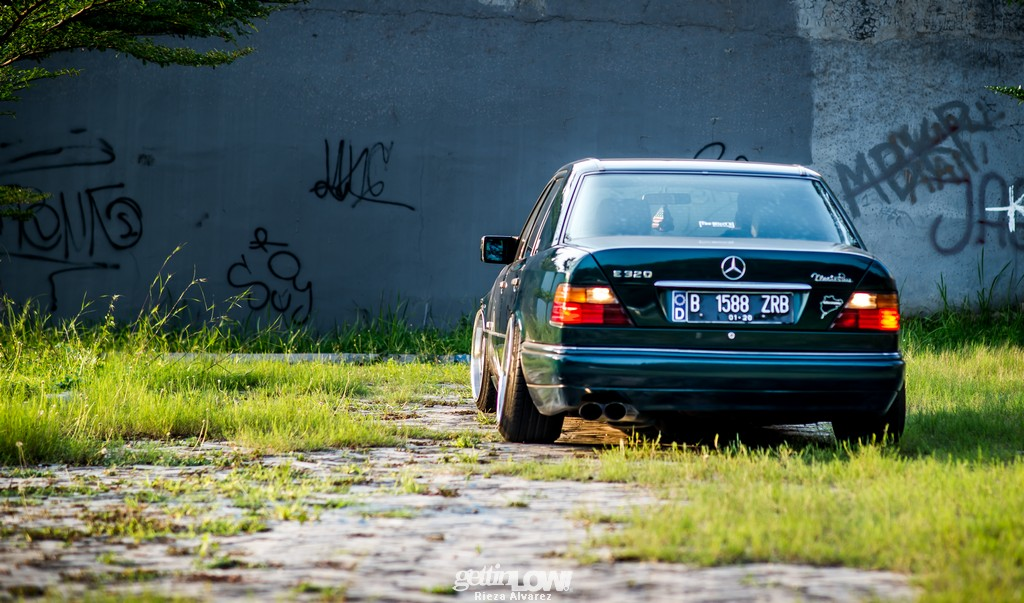 Mercy-W124-darkgreen_05