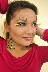 Modelo con maquillaje artistico