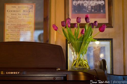 I love tulips on my organ...