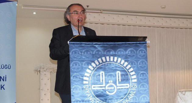 """Prof. Dr. Nevzat Tarhan Kartal'da """"Ailede Güven ve Sadakat"""" konferansı verdi"""