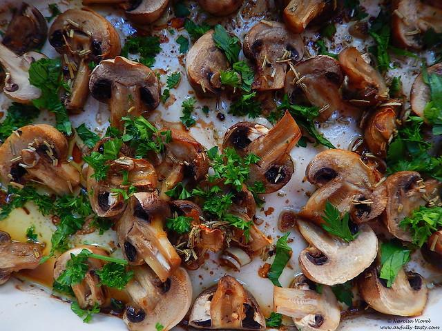 ciuperci cu rozmarin si patrunjel