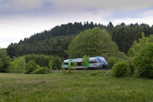 X73698 assurant un St Etienne Clermont Fd dans le Forez.-Mai 2015