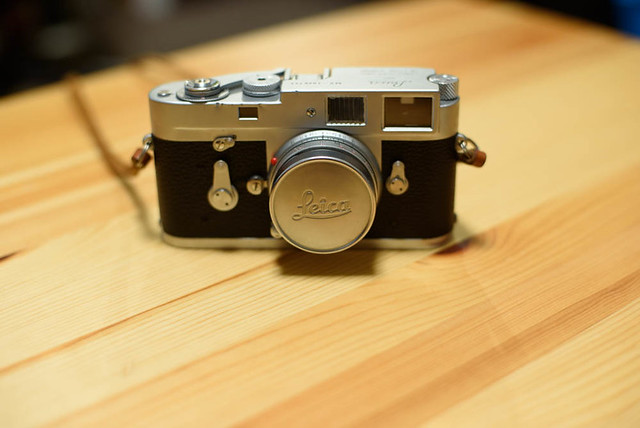 LeicaM2_01