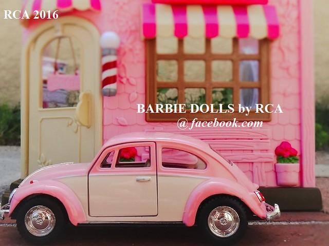 mini pink Volkswagen