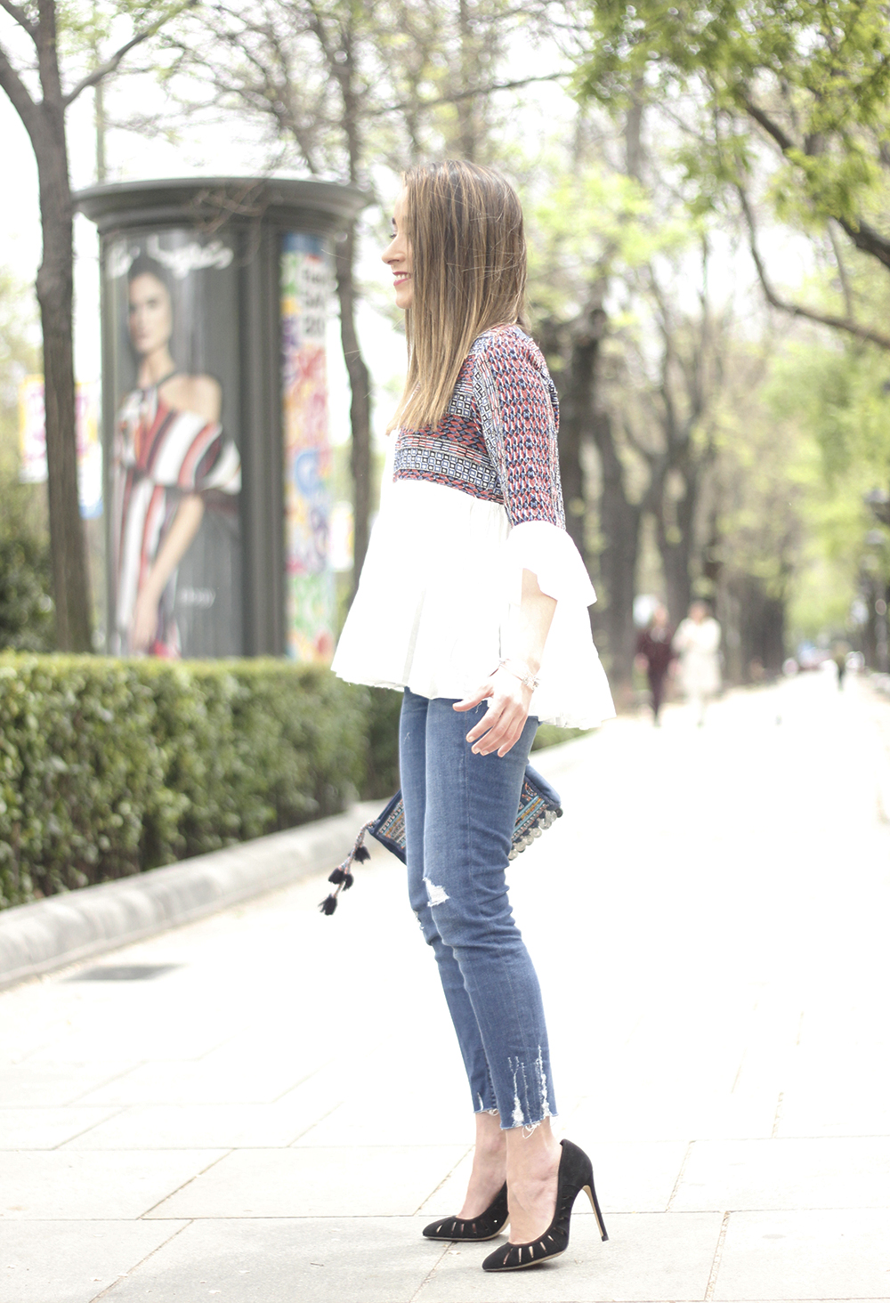 embroidered jacket jeans heels accesories spring style fashion outfit19