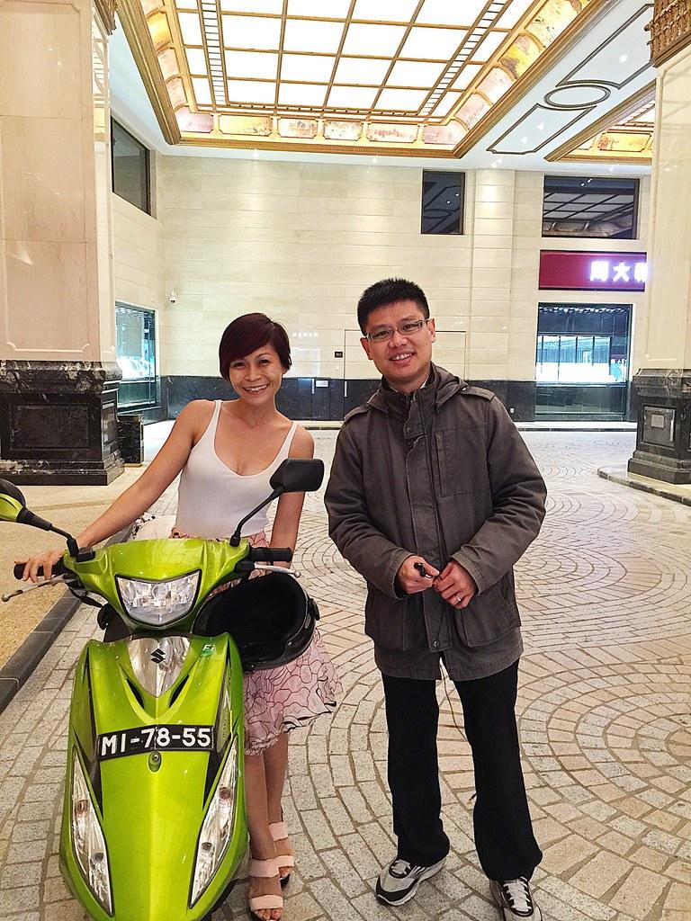 Macau sightseeing on a bike