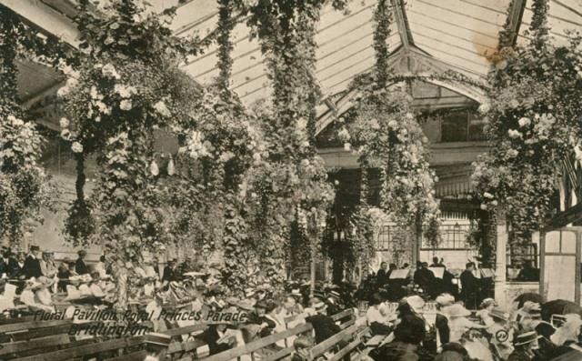Princes Parade - Floral Pavilion, Bridlington, c.1922 (archive ref PO-1-20-91)