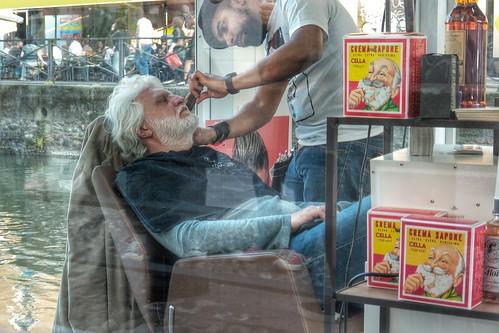 Va di moda il #barbiere, sarà #hipster by Ylbert Durishti