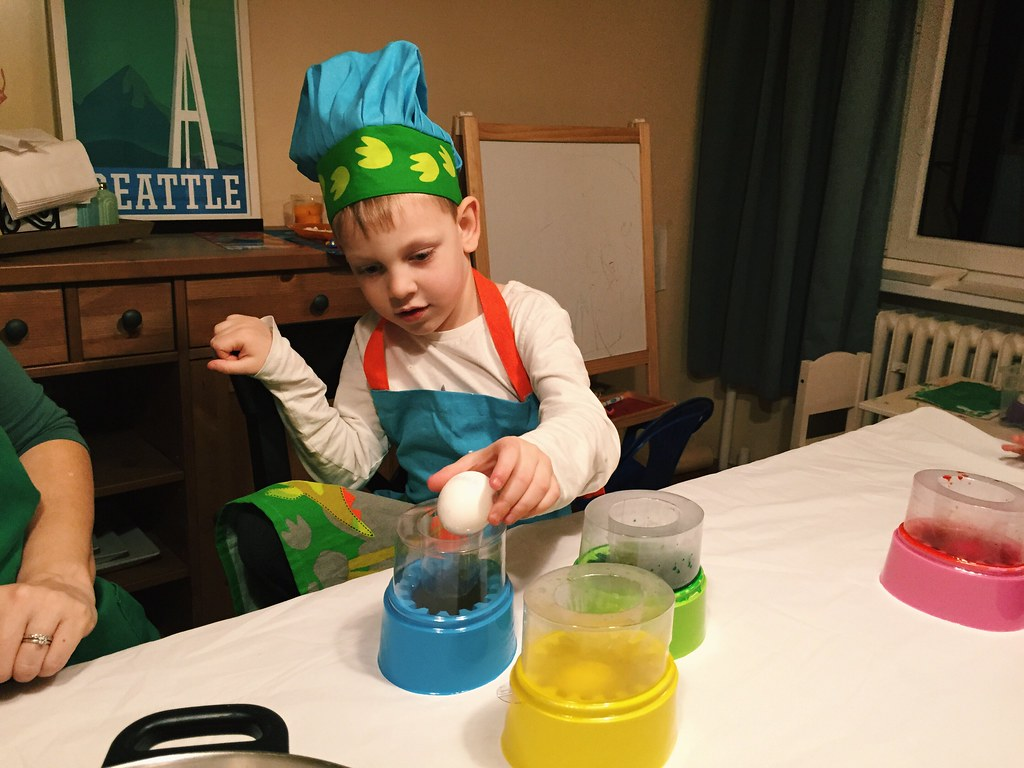 Coloring Eggs (4/6/15)