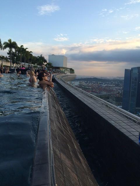 IMG_2598 インフィニティ・プール(天空プール)マリーナ・ベイ・サンズ・ホテル Marina Bay Sands Hotel