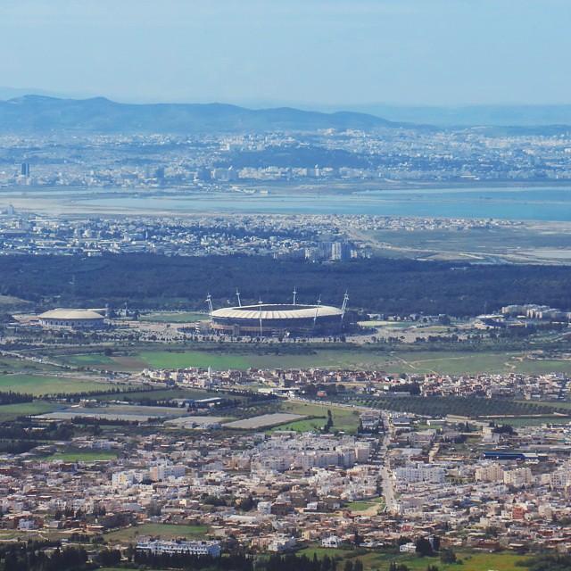 Tunis et le stade olympique de...