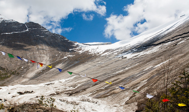 Paungda Danda and prayer flags