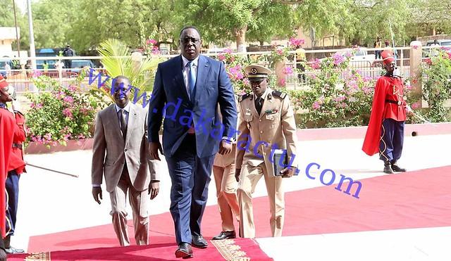 Conseil des ministres Kaffrine arrivée du Président  de la République  à l'hotel de ville  (4)-BorderMaker