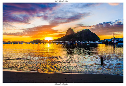 favorite praia beach nature colors brasil riodejaneiro sunrise cores de landscape photography nikon games paisagem olympic açucar sugarloaf botafogo nikkor pão alvorada amanhecer outono 28300mm d800 enseada nucci brasilemimagens joséeduardonucci