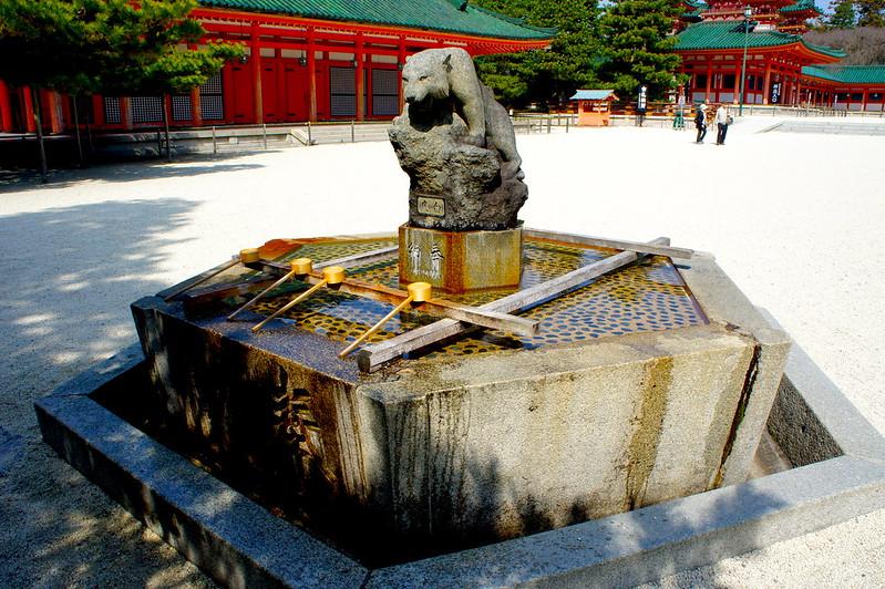 手水舎/平安神宮(Heian-jingu Shrine / Kyoto City) 2015/03/17