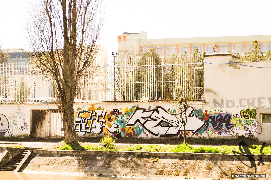02-20130414-graffiti_pieces_on_bega_riverside-timisoara-grafformers_ro
