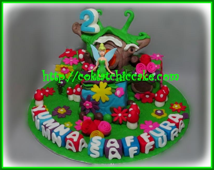 Miniature cake Tinkerbell