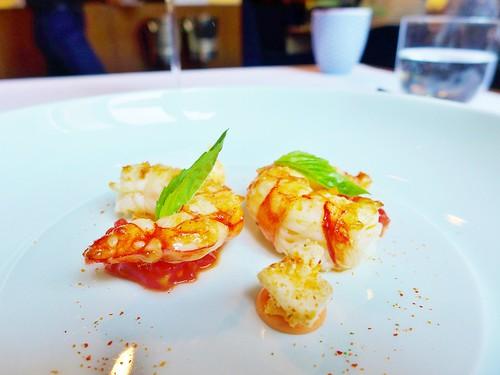 Restaurant Tim Raue Garnele tomate Galgant