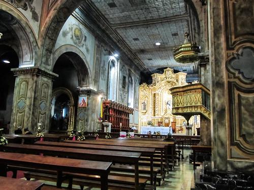 Loja: la Cathédrale, décorée pour un mariage (à 19h!)