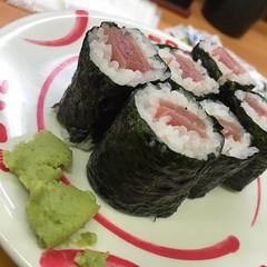 MOHIKAN FAMILY'S/モヒカンファミリーズ | 今日起きて韓国で買った韓国海苔ではない普通の焼き海苔を食べたら寿司の事が恋しくなったので寿司:sushi: