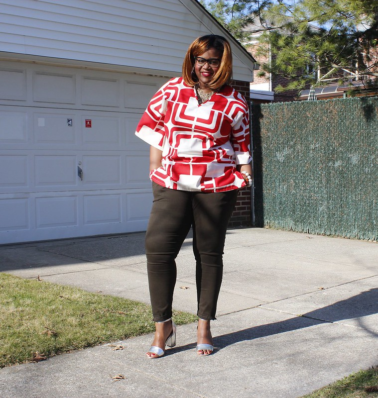 red+print+shirt+gap+pants