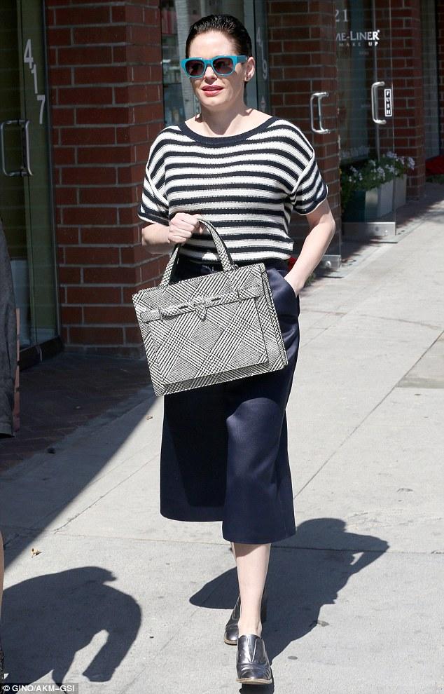 striped-knit-top-satin-culottes-checked-handbag-lace-free-oxford