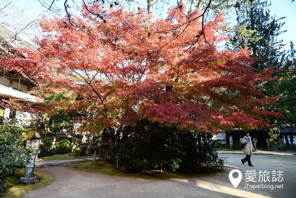 《京都赏枫景点》槙尾山西明寺:高雄三尾位于神护寺与高山寺之间精致闲适的赏枫名所。