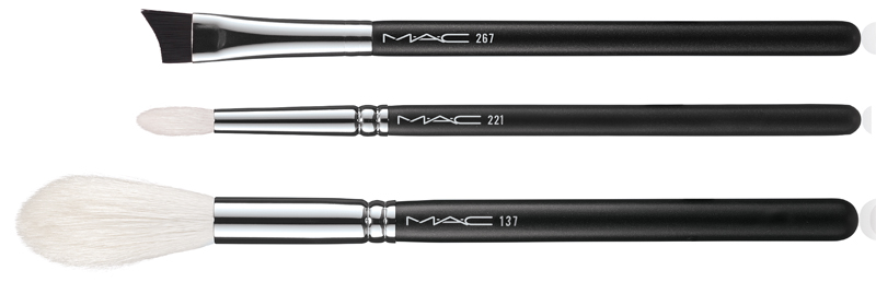 MAC IS BEAUTY BRUSH