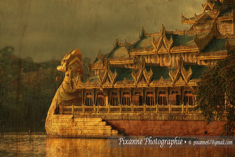 Myanmar (Birmanie) - Yangon - Lac Kandawgyi - Karaweik