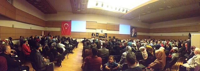 Prof. Dr. Nevzat Tarhan Kayseri'de Ailede İletişim Sorunlarını Anlattı 2
