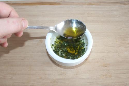 27 - Olivenöl hinzufügen / Add olive oil
