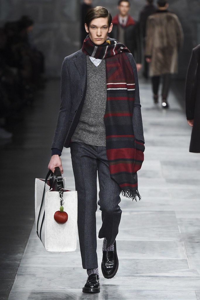 FW15 Milan Fendi018_James Frazier(VOGUE)