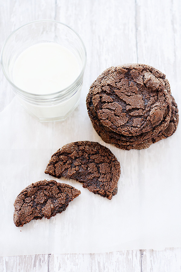 flourles fudge cookies | heathersfrenchpress.com