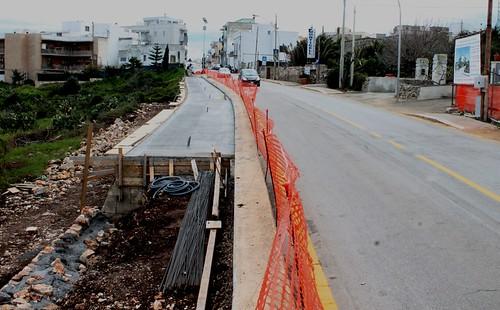 palazzo ninì monticello pista ciclabile Qui si nota ancora meglio la parte aggiunta alla vecchia pista, molto più larga adesso