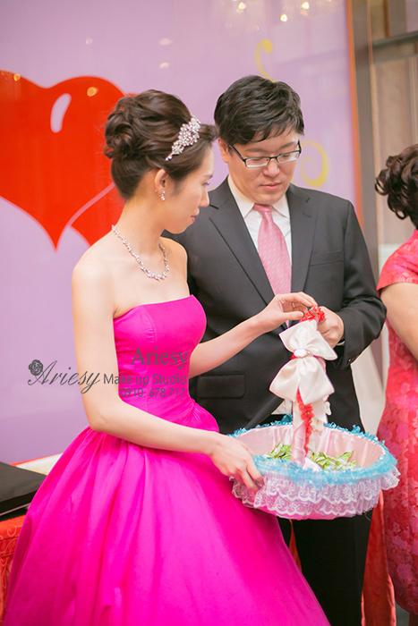 愛瑞思, Ariesy,新娘秘書,台北新秘推薦,歐美風,時尚造型,蓬鬆編髮,韓風飾品,韓風包頭