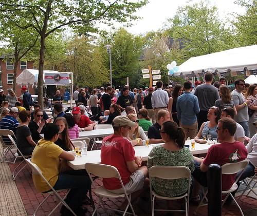 Bockfest crowd (02)