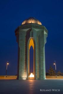 Baku - Martyrs Monument