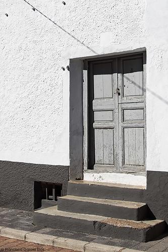 Casi blanco y negro./ Almost Black and White. (Peñas de San Pedro, Albacete, Spain) (Rusticidades LX)