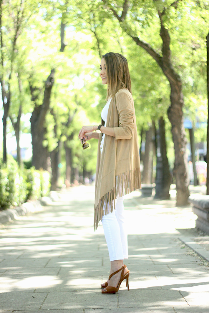 White Outfit With A fringed jacket11