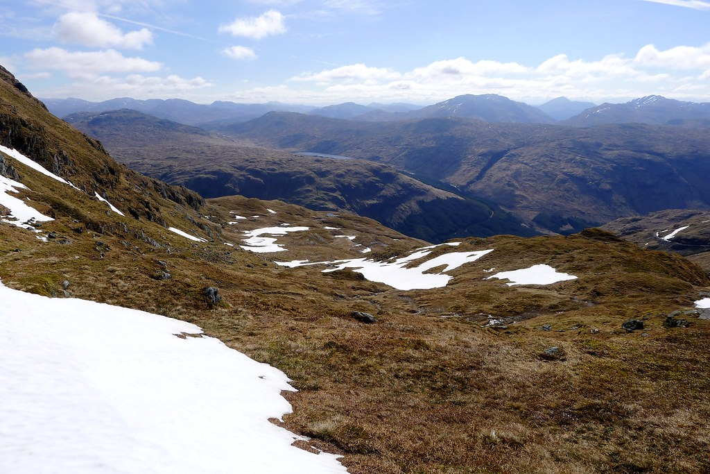 The descent from Beinn Bhuidhe