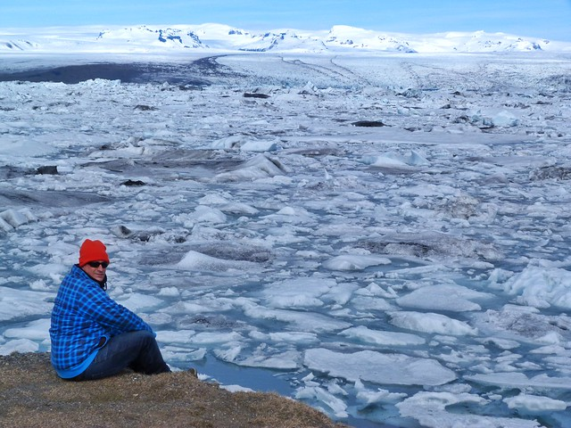 Cuevas de hielo natural en glaciares de Islandia