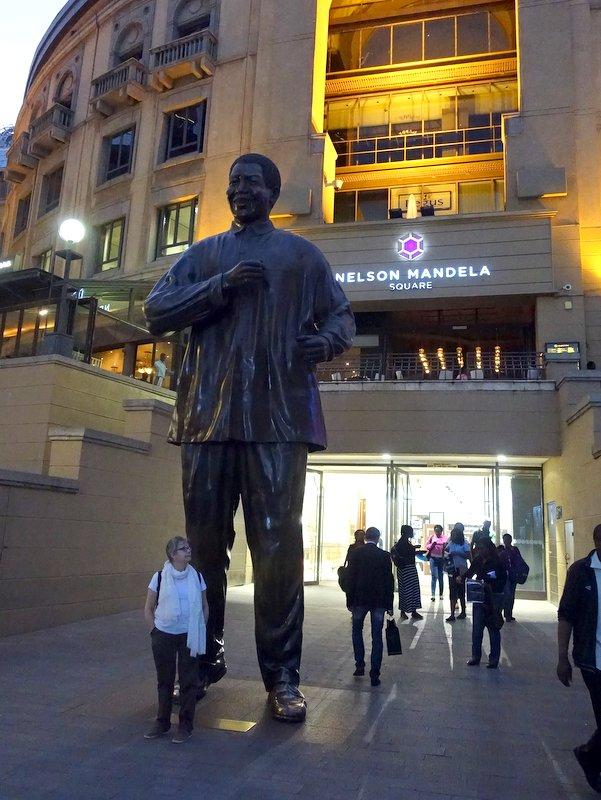 Nelson Mandela Square, Johannesburg-001